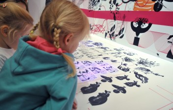 "Grafika wydarzenia: Family workshops accompanying the exhibition ""I read here"""
